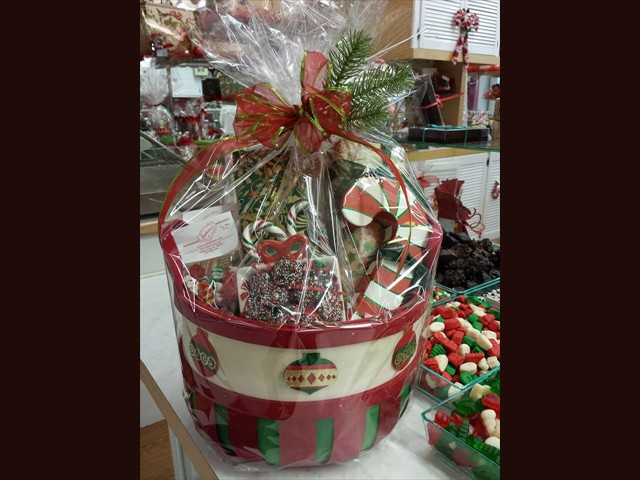 christmas custom basket